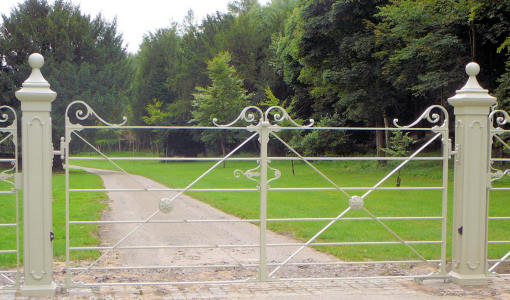 Traditional Estate Fencing Gates And Gate Posts From
